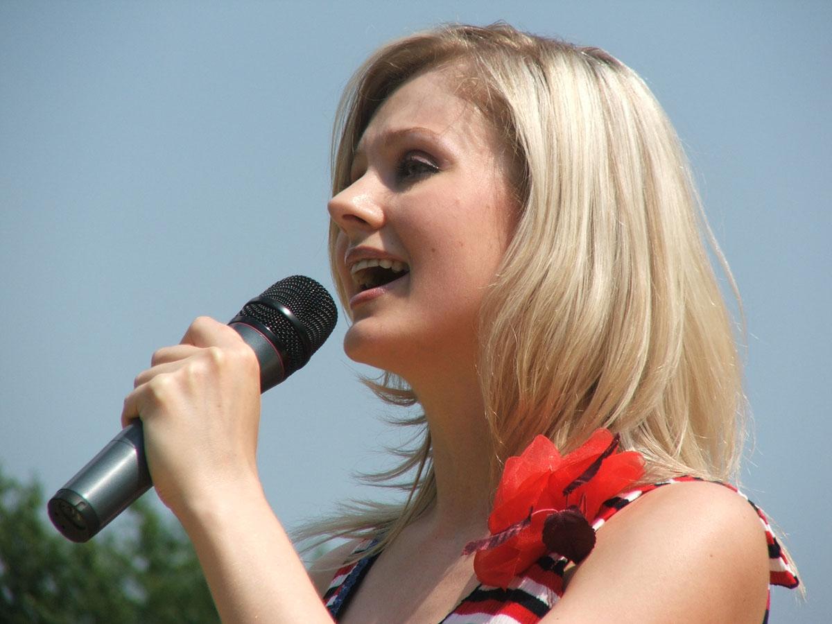 Певица натали фото причесок
