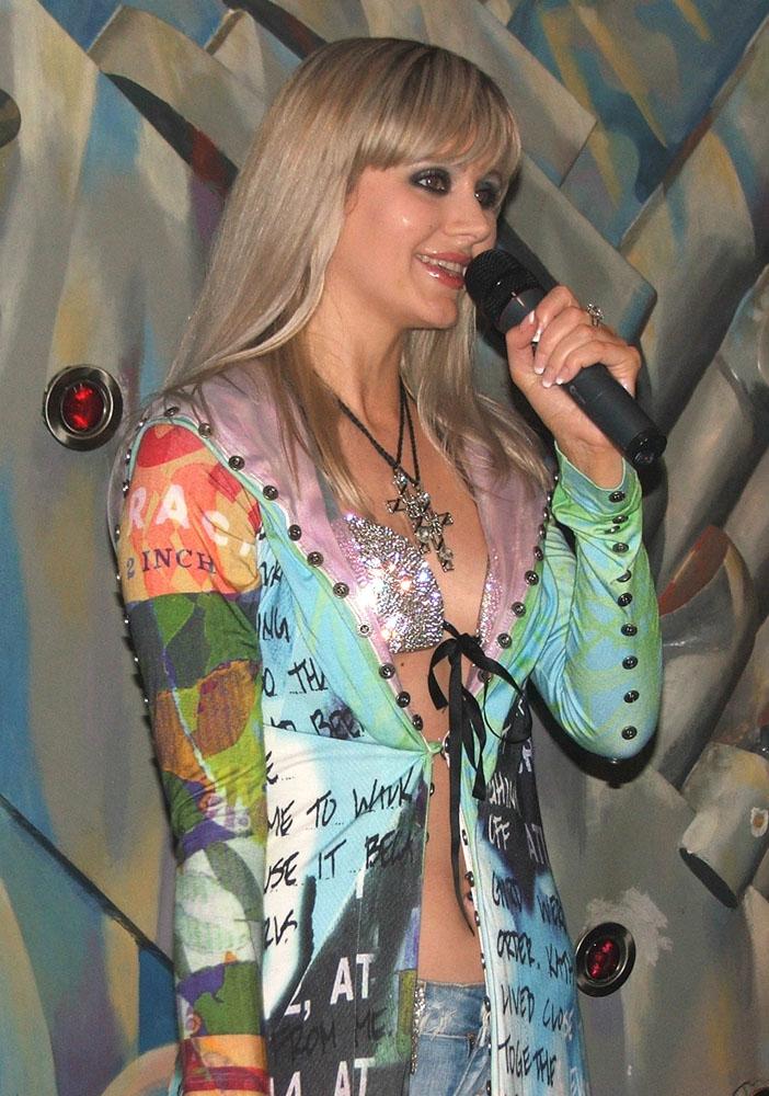 сестру натали певица лесбиянка подобранный для тебя